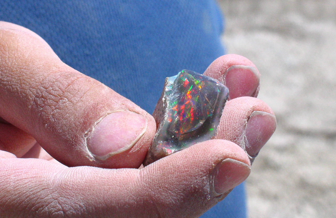 Bonanza Opal Mines – The Brightest Opals in the World